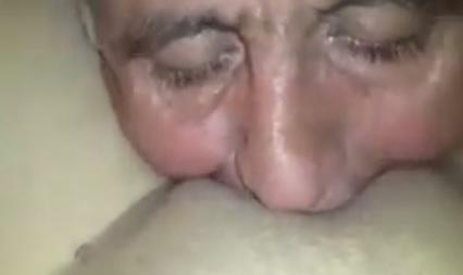 Türk Yaşlı Dede Am yalama Porno